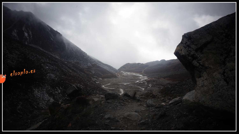 Campamento base Island Peak. Los héroes no existen
