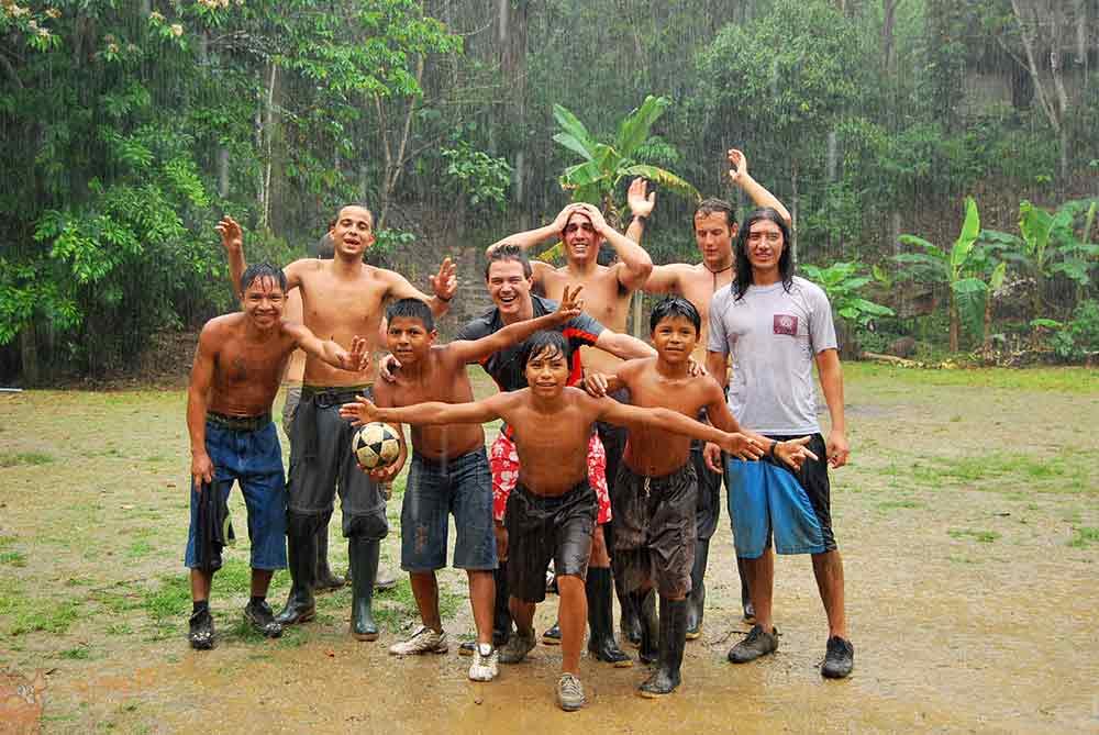 Partido en la selva: Ecuador-España