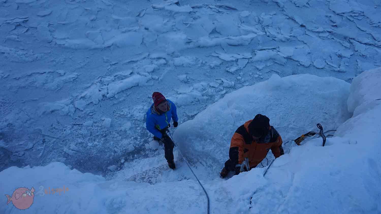 Aprendiz de escalador en Lago Baikal