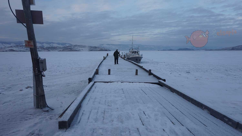 Muelle fantasma en Siberia