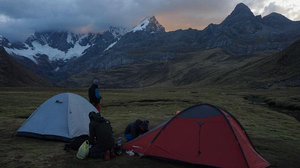 Prohibido acampar en España, ¿estás seguro? Acampada, pernocta y vivac
